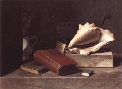 Stilleven met boeken en witte schelp